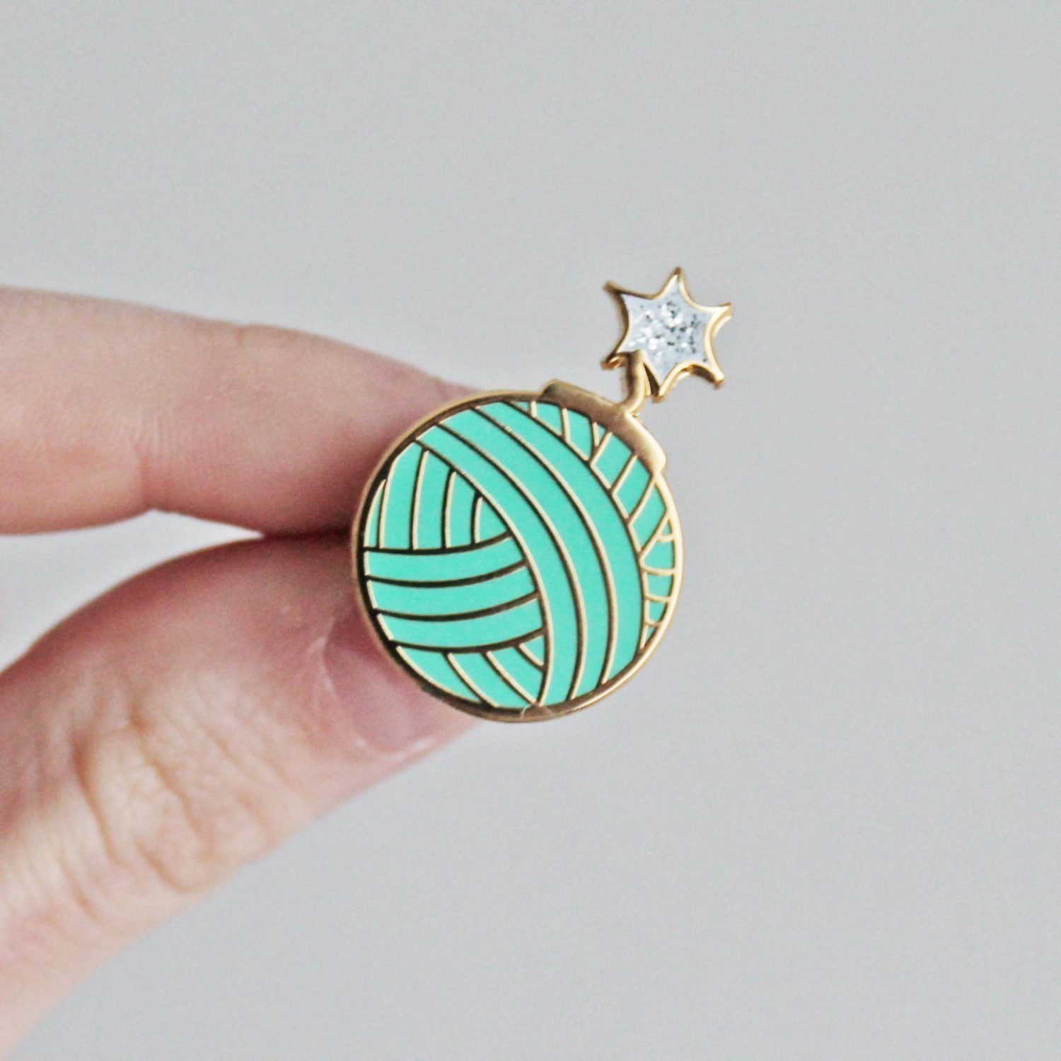 Yarnbomb Pin by Twill and Print