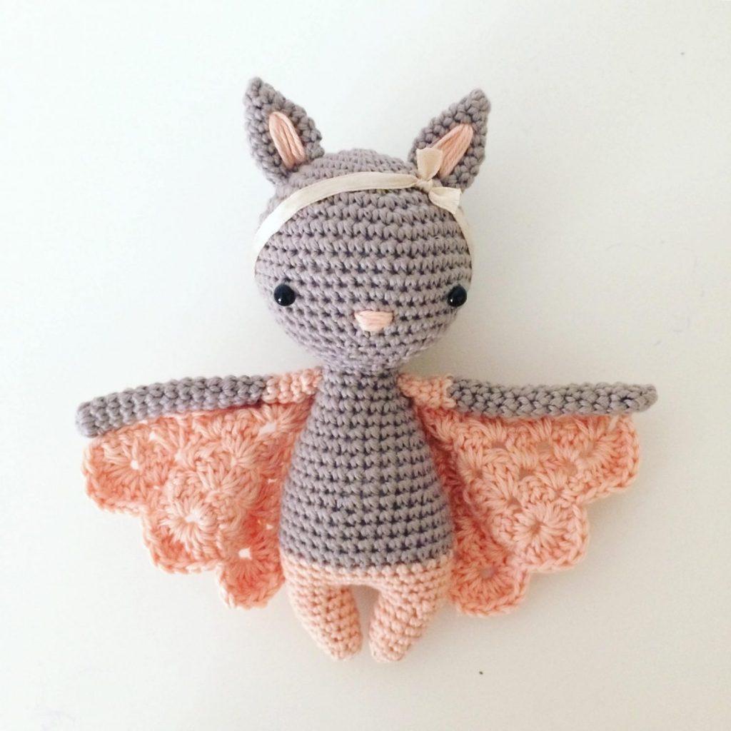 Chloe Crochet Bat Pattern by Manuska